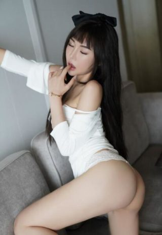Yuka, 22 years old Chinese escort in Abu Dhabi