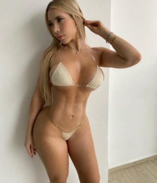 Betty, 25 years old American escort in Dubai