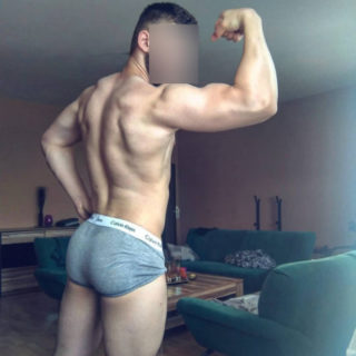 mike,  years old  escort in La Plata